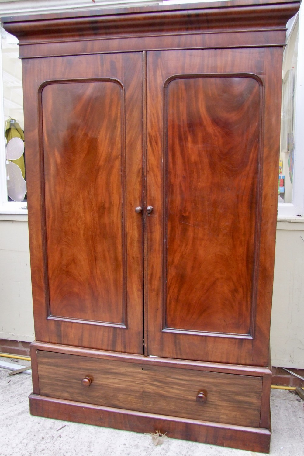 19th century fitted wardrobe in mahogany