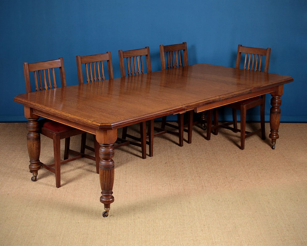 10 seater extending oak dining table 470998