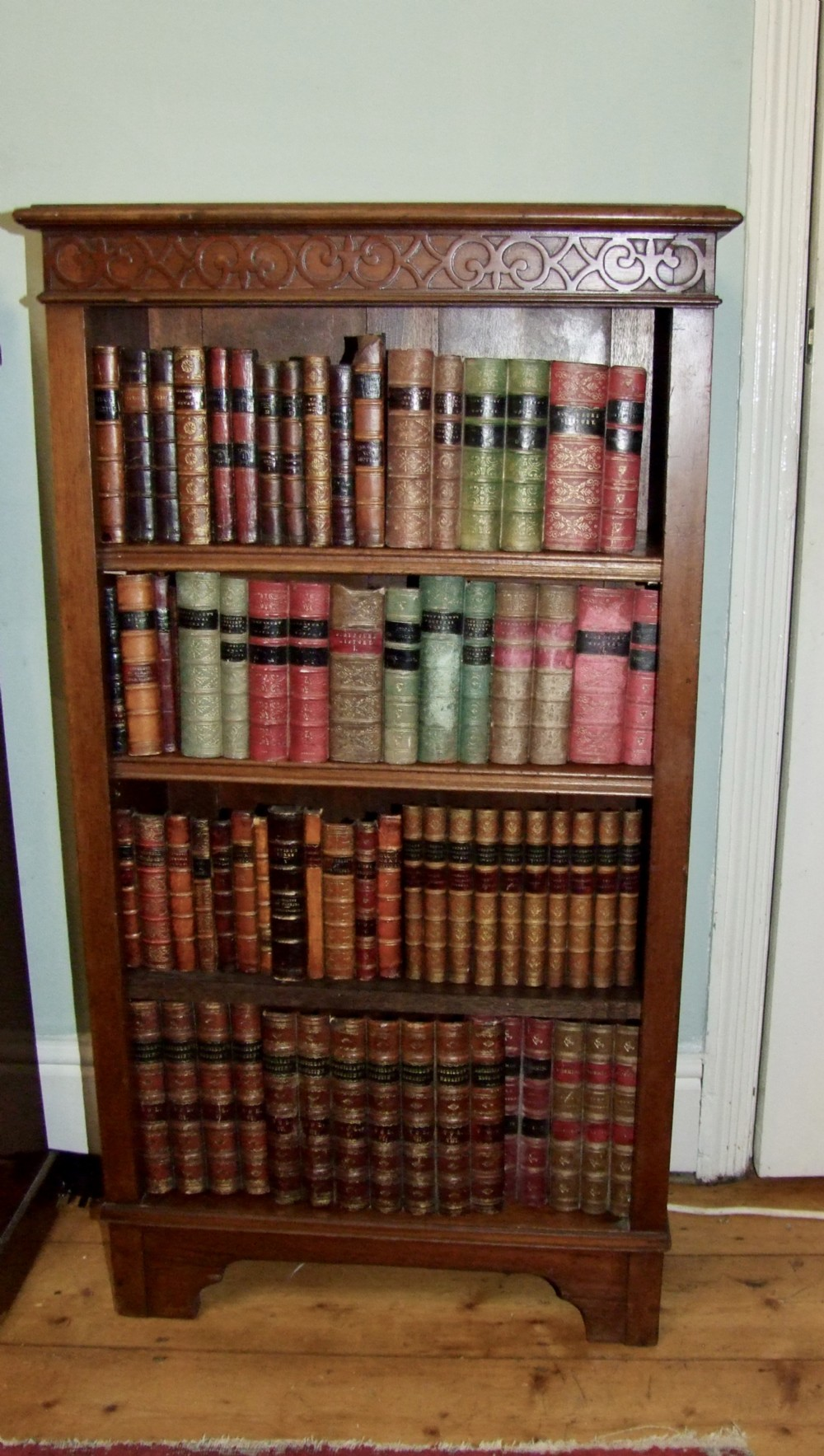 very nice little 19th century open bookcase in mahogany
